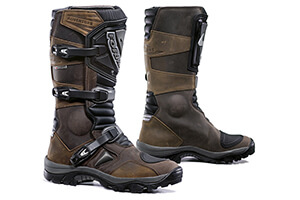 Top 10 Best Riding Shoes For Motorcycle Riders in 2016 Reviews